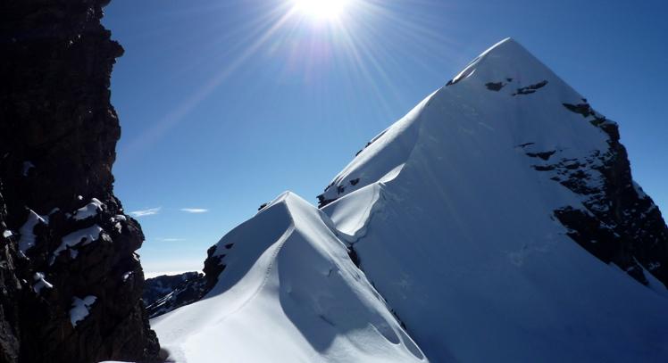 Montaña Tocllaraju en Huaraz
