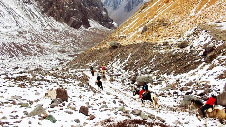 Camino Glaciar El Morado