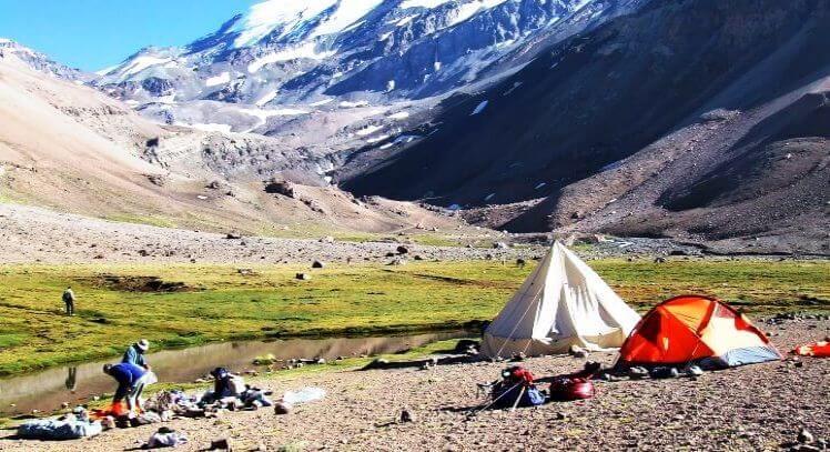 Campamento ascenso al Cerro El Plomo
