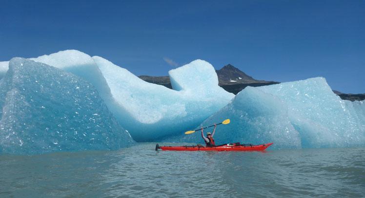 Kayak en el Lago Grey