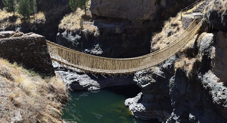 Puente Q'eswuachaka y Cuatro Lagunas