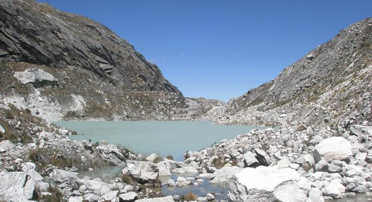Trekking Laguna Llaca
