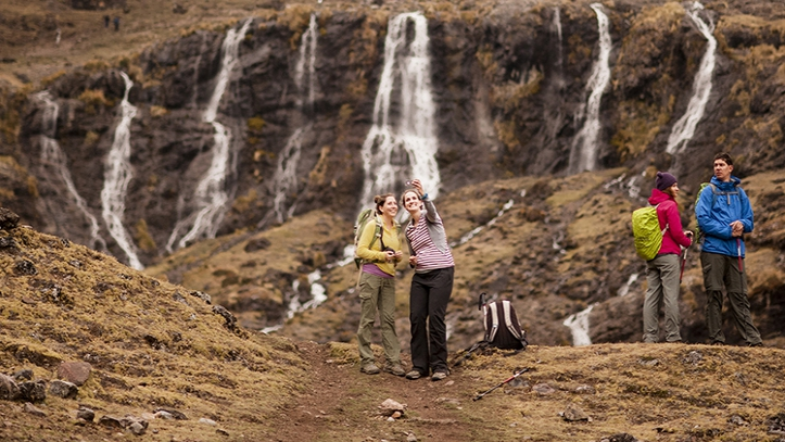 Cascada Lares trek